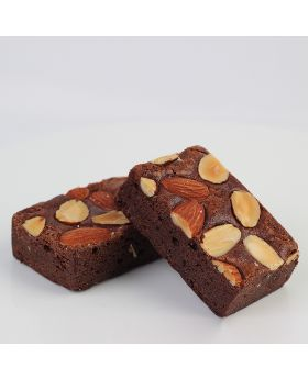 American Brownie: Chocolate Almond บราวนี่ อัลมอลท์